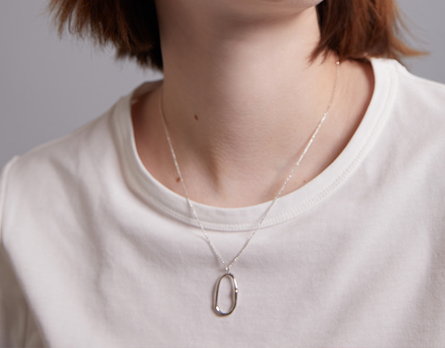 NOUVELLE VAGUE NECKLACE