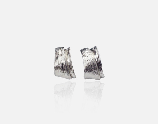 wave 001 earring