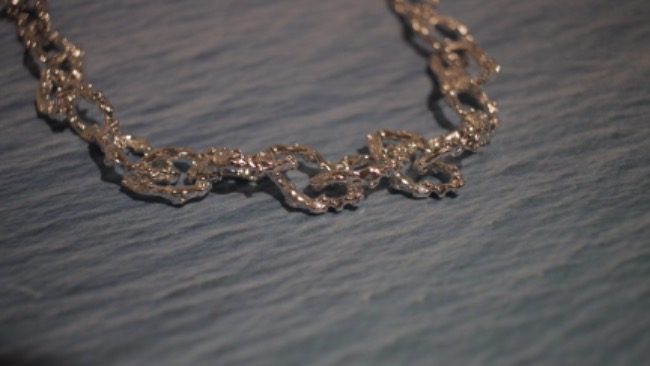 Breaking waves chain necklace