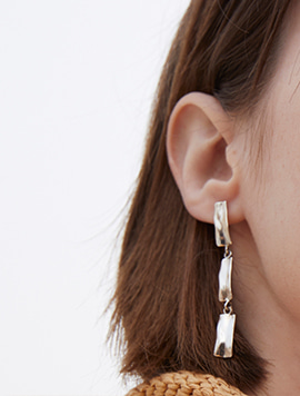 TEXTURE DROP EARRING