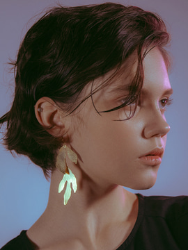 leaf A earrings